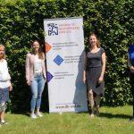 V.l.n.r. die Projektleiterinnen der Teilprojekte des Weiterbildungsverbunds OWL: Nicole Glawe-Miersch (gpdm), Marie Strunz (ELHA), Janine Leifert (IfB OWL) mit Dr. Wiebke Esdar MdB.
