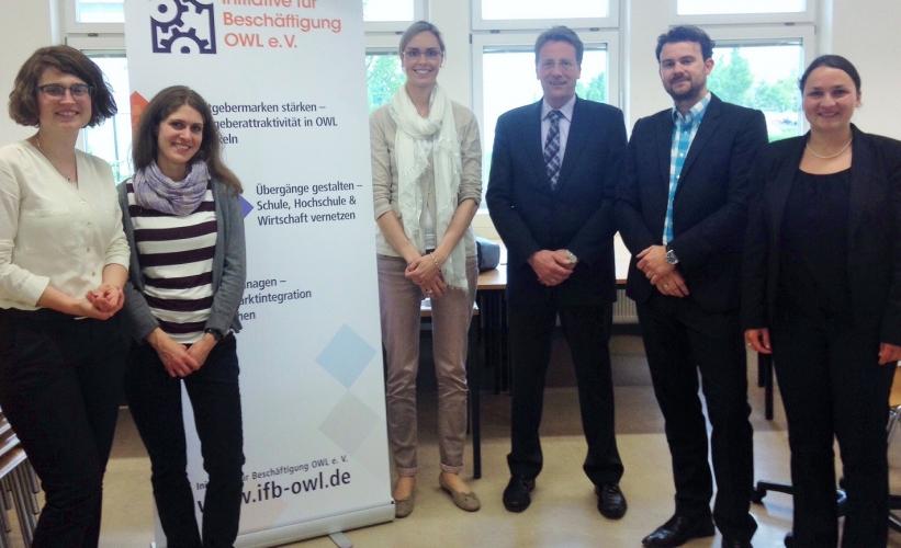 Studierende lernen CLAAS beim Job-Speed-Dating an der Universität Paderborn kennen