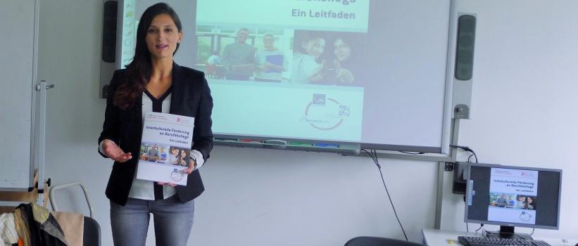 Leitfaden zur interkulturellen Förderung an Berufskollegs veröffentlicht